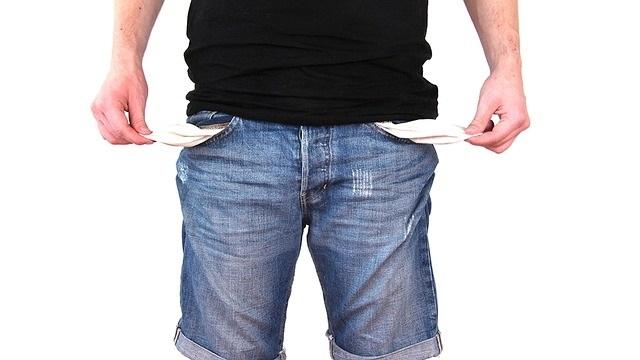 Scoprire se una persona ha debiti